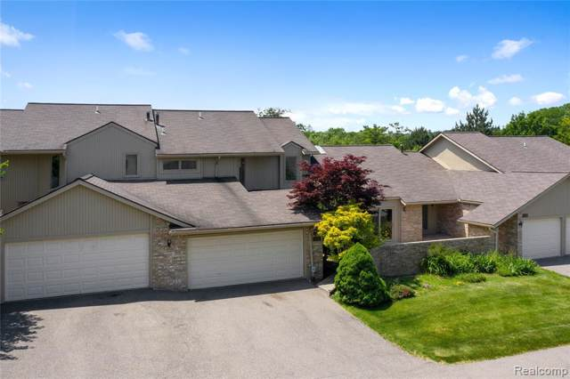 4291 Foxpointe Drive, West Bloomfield Twp, MI 48323 (#219101742) :: The Buckley Jolley Real Estate Team