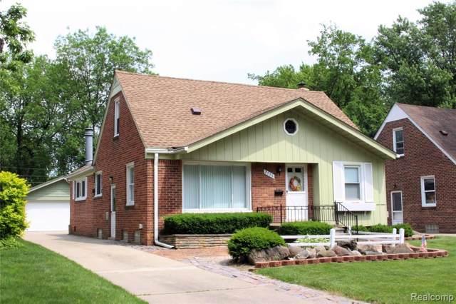 2706 N Vermont Avenue, Royal Oak, MI 48073 (#219102473) :: The Buckley Jolley Real Estate Team