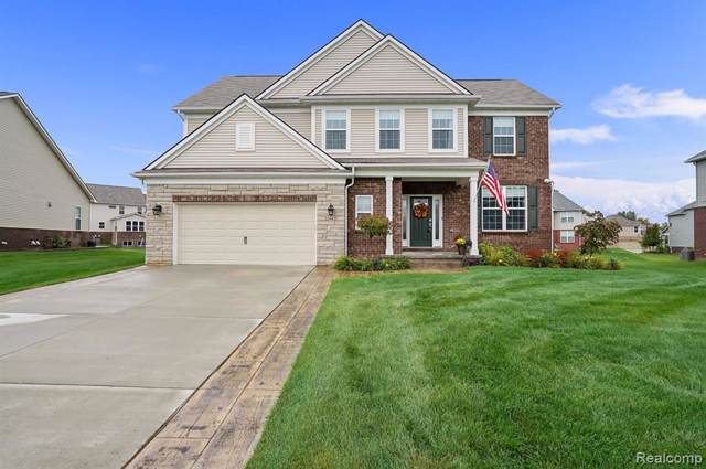 2443 Findley Circle, Orion Twp, MI 48360 (#219102544) :: The Buckley Jolley Real Estate Team