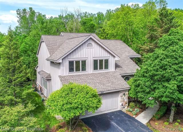 4730 Morris Lake Circle, West Bloomfield Twp, MI 48323 (#219102570) :: The Buckley Jolley Real Estate Team