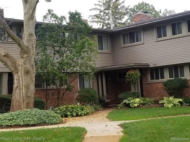 1044 Stratford Lane, Bloomfield Hills, MI 48304 (#219102728) :: The Buckley Jolley Real Estate Team