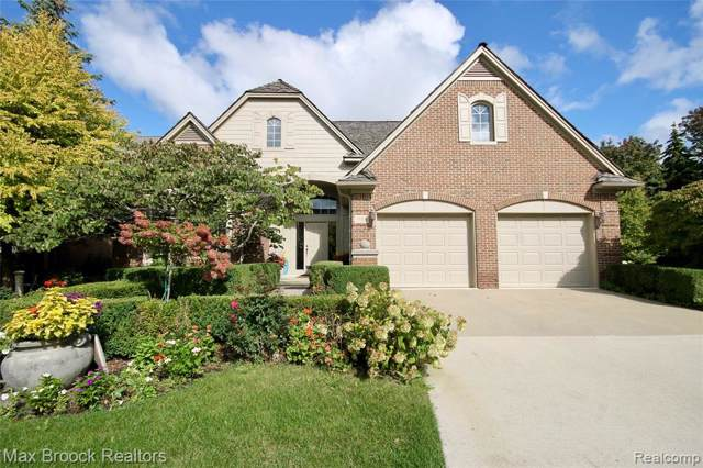 1104 Park Place Court, Bloomfield Twp, MI 48302 (#219103226) :: Alan Brown Group