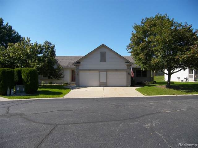 4424 Louise Court, Genesee Twp, MI 48437 (#219103861) :: The Buckley Jolley Real Estate Team