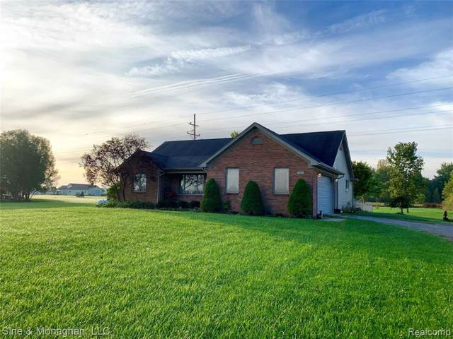 9437 Smiths Creek Road, Wales Twp, MI 48027 (#219104569) :: GK Real Estate Team