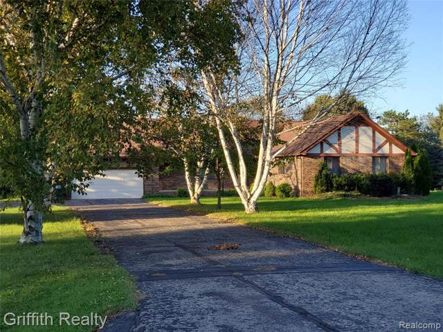 60812 Deer Creek Dr, South Lyon, MI 48178 (#219104603) :: BestMichiganHouses.com