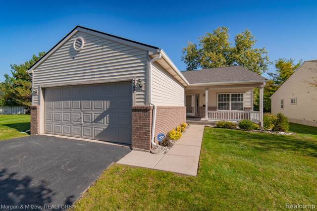 391 Pagels Court, Grand Blanc, MI 48439 (#219104707) :: The Buckley Jolley Real Estate Team