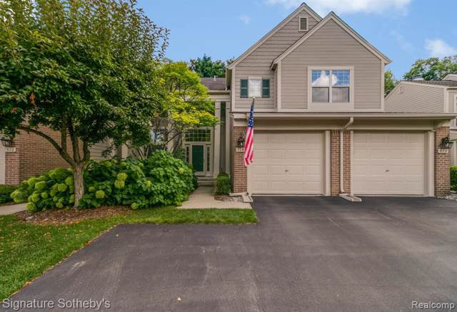 514 Newburne Pointe, Bloomfield Twp, MI 48304 (#219104738) :: The Buckley Jolley Real Estate Team