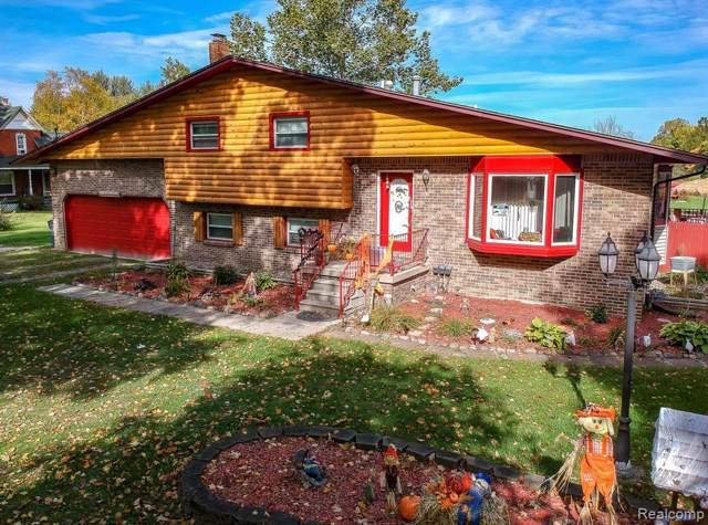 11140 Farrand Road, Montrose Twp, MI 48457 (MLS #219104757) :: The Toth Team