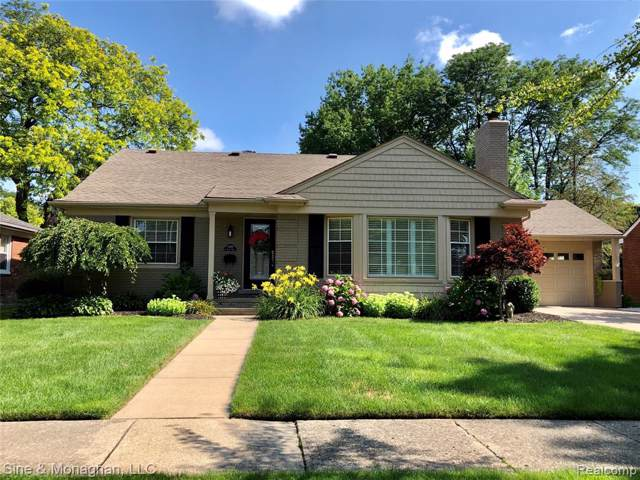 1098 N Brys Drive, Grosse Pointe Woods, MI 48236 (#219105604) :: The Mulvihill Group