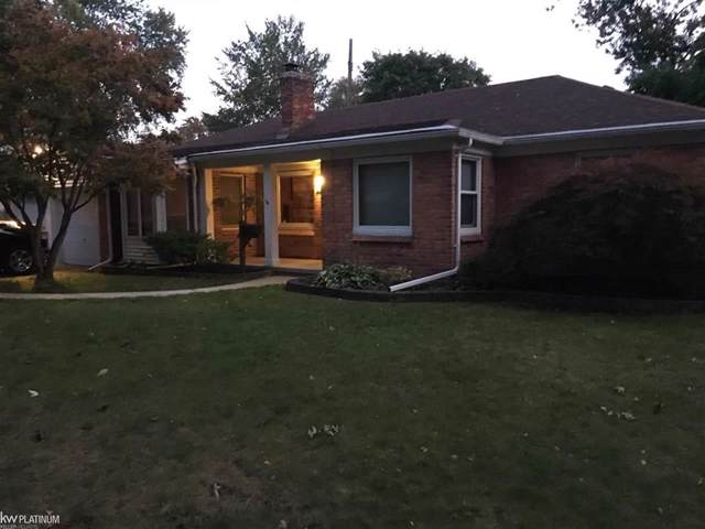 22024 Sunnyside, Saint Clair Shores, MI 48080 (#58031397540) :: Team Sanford