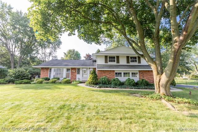 2631 Avonhurst Drive, Troy, MI 48084 (#219105740) :: Keller Williams West Bloomfield