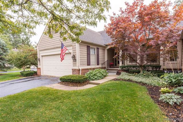 2400 Wildbrook Run, Bloomfield Twp, MI 48304 (#219105859) :: Team Sanford