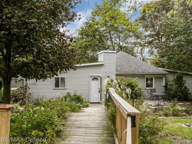 3760 Bald Mountain Road, Auburn Hills, MI 48326 (#219106026) :: The Alex Nugent Team   Real Estate One