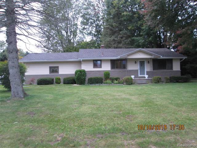 2485 Michigan Road, Port Huron Twp, MI 48060 (#219106350) :: GK Real Estate Team