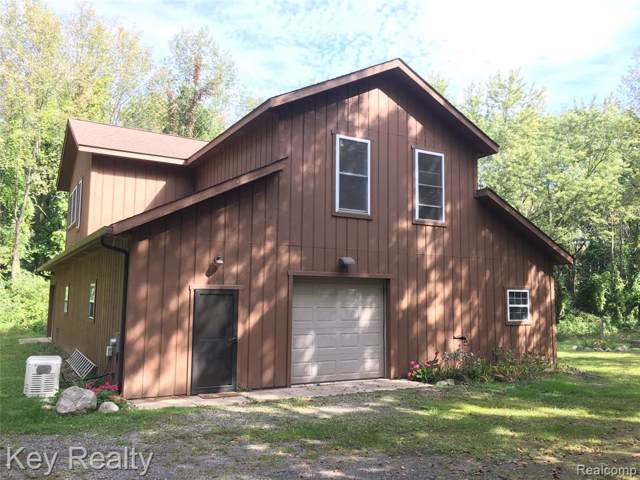 7841 Teahen Road, Hamburg Twp, MI 48116 (#219106744) :: GK Real Estate Team