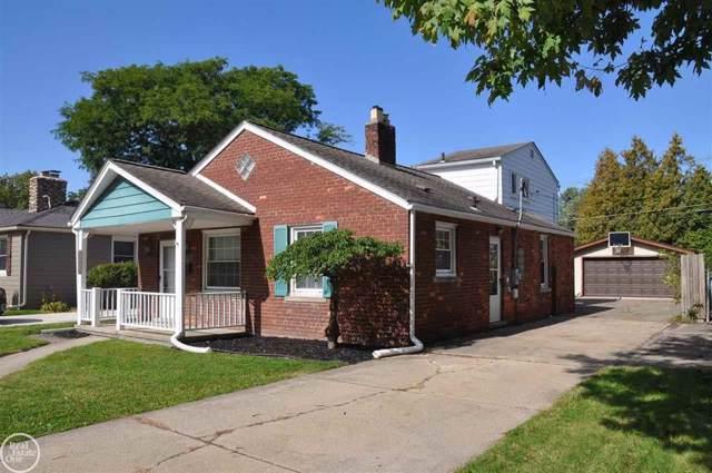20855 Maple, Saint Clair Shores, MI 48081 (#58031397846) :: Keller Williams West Bloomfield