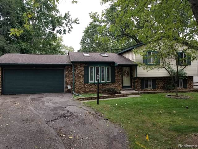 2280 Darnell Street, Wolverine Lake Vlg, MI 48390 (#219106975) :: The Buckley Jolley Real Estate Team