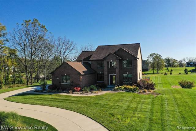 3576 Quinney Trail, Milford Twp, MI 48381 (#219107057) :: The Mulvihill Group