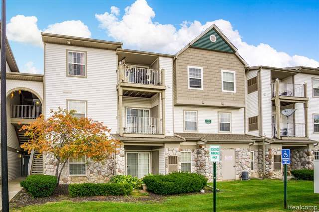 15200 Silver Parkway #302, Fenton, MI 48430 (MLS #219107135) :: The Toth Team