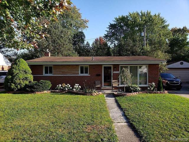 26935 Constance Street, Dearborn Heights, MI 48127 (#219107277) :: The Mulvihill Group
