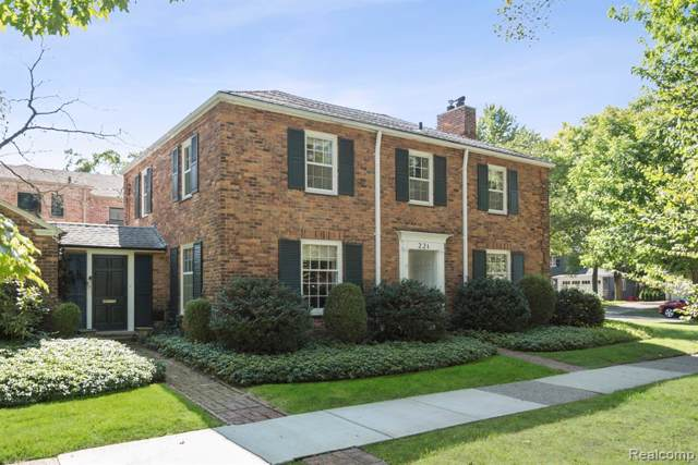 221 Moran Road, Grosse Pointe Farms, MI 48236 (MLS #219107370) :: The Toth Team