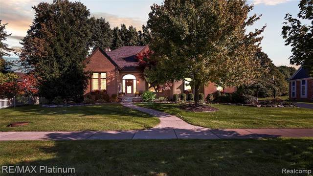 5475 Woodfield Parkway, Grand Blanc, MI 48439 (MLS #219107387) :: The Toth Team