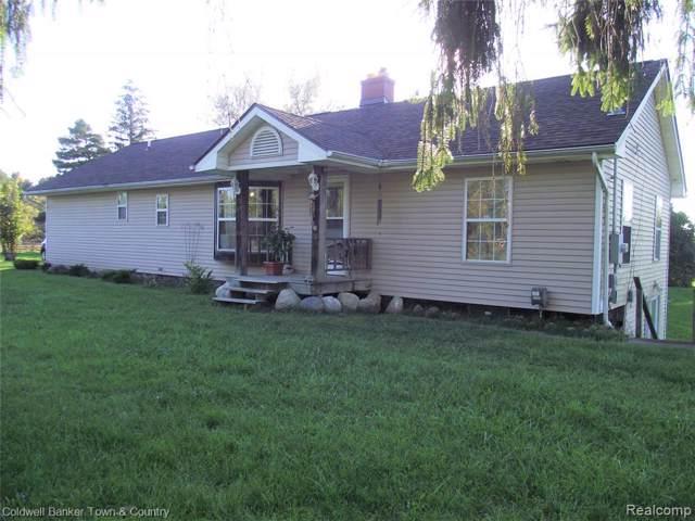 11286 N Fenton Road, Fenton, MI 48430 (#219107438) :: The Buckley Jolley Real Estate Team
