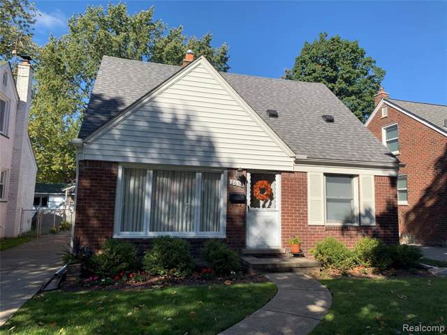 2654 Hollywood Street, Dearborn, MI 48124 (#219107495) :: BestMichiganHouses.com