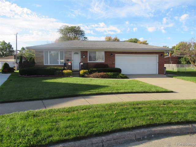 6075 S Bankle Court, Dearborn Heights, MI 48127 (MLS #219107817) :: The John Wentworth Group