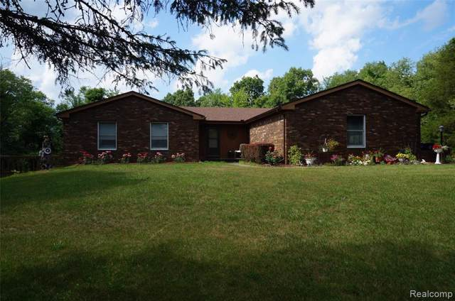 4065 Stafford Drive, Hamburg Twp, MI 48169 (#219107825) :: GK Real Estate Team