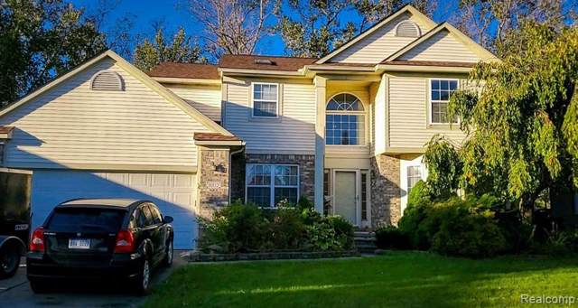 30112 Apple Grove Way, Flat Rock, MI 48134 (#219107960) :: GK Real Estate Team