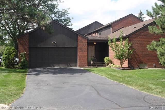 2 Kimberly Lane #60, Dearborn, MI 48120 (#219107988) :: The Mulvihill Group