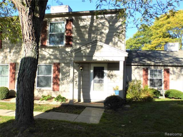 2713 Fox Hollow Court, Orion Twp, MI 48360 (#219108281) :: The Buckley Jolley Real Estate Team