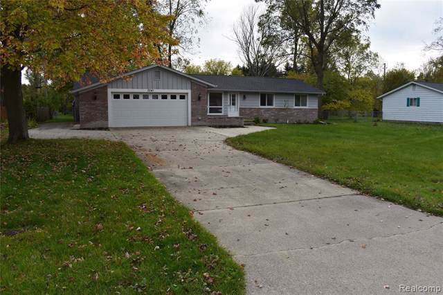 3241 S Shoreview Drive, Fort Gratiot Twp, MI 48059 (#219108285) :: The Mulvihill Group