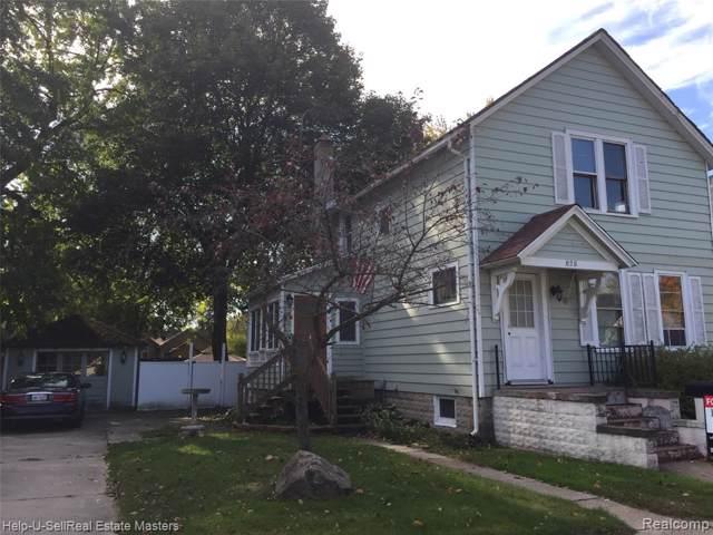 828 Division Street, Port Huron, MI 48060 (#219108955) :: The Alex Nugent Team | Real Estate One