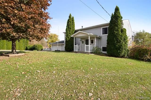11642 Norway Drive, Hartland Twp, MI 48353 (#219108999) :: The Buckley Jolley Real Estate Team
