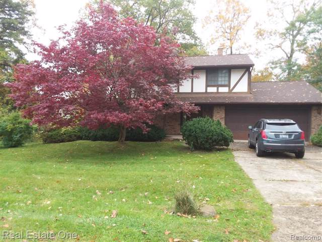 4628 Curtis Lane, Independence Twp, MI 48346 (#219109652) :: RE/MAX Nexus