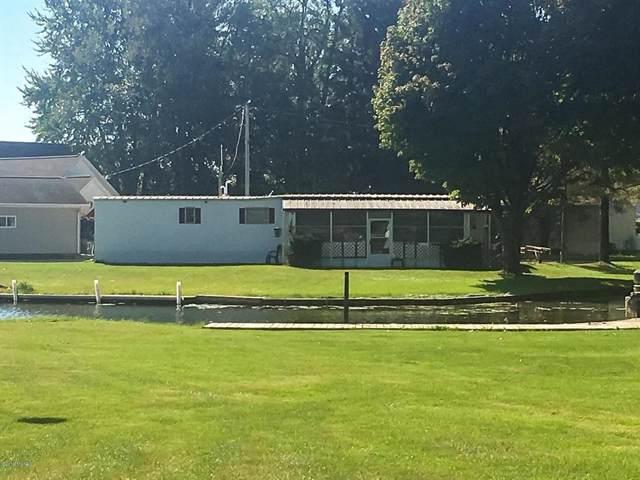 825 Pine Island Dr, Kinderhook Twp, MI 49036 (#62019050456) :: GK Real Estate Team