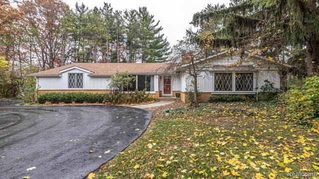 10634 Kenicott Trail, Brighton Twp, MI 48114 (#219111983) :: The Buckley Jolley Real Estate Team