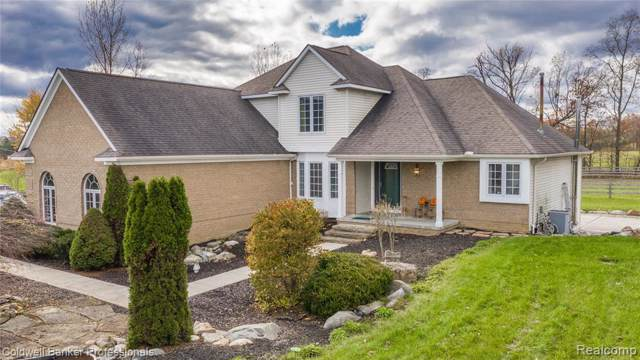 733 N Hurd Road, Brandon Twp, MI 48462 (#219112068) :: The Alex Nugent Team | Real Estate One
