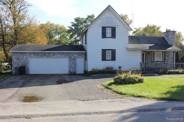 945 Alan Drive, Orion Twp, MI 48362 (#219112774) :: The Buckley Jolley Real Estate Team