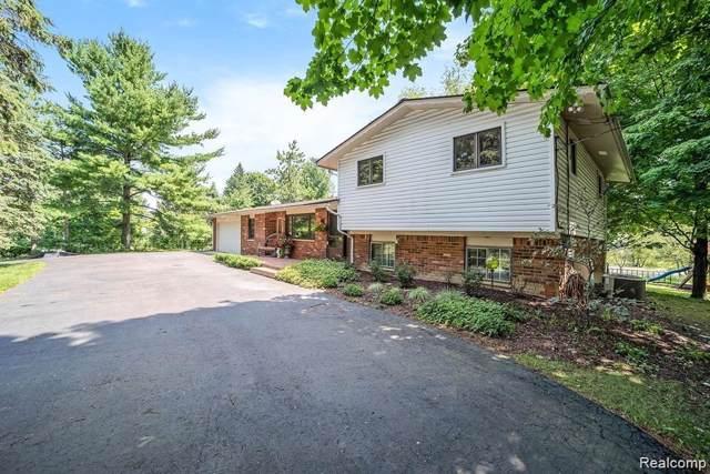 28800 Summit Drive, Novi, MI 48377 (#219112915) :: The Buckley Jolley Real Estate Team
