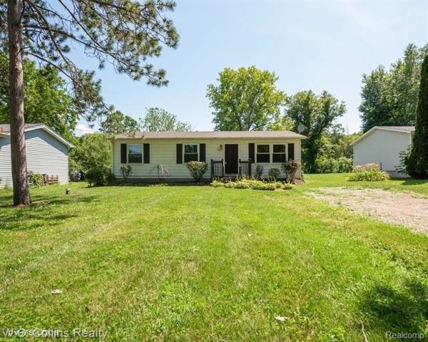 7085 Griswold Road, Kimball Twp, MI 48074 (#219112935) :: The Buckley Jolley Real Estate Team
