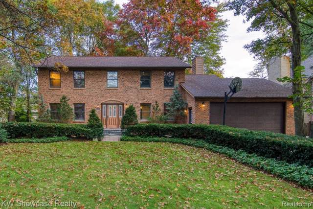 2176 Briar Court, Commerce Twp, MI 48382 (#219113054) :: Alan Brown Group