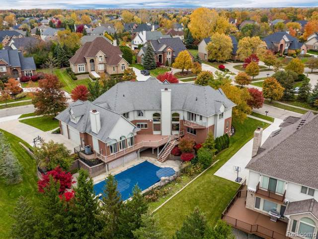 7028 Trailway Court, West Bloomfield Twp, MI 48322 (#219113494) :: The Mulvihill Group