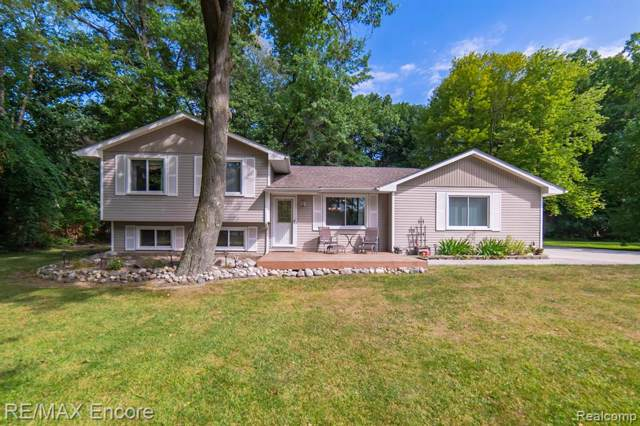 5240 Mattawa Drive, Independence Twp, MI 48348 (#219113837) :: Team Sanford
