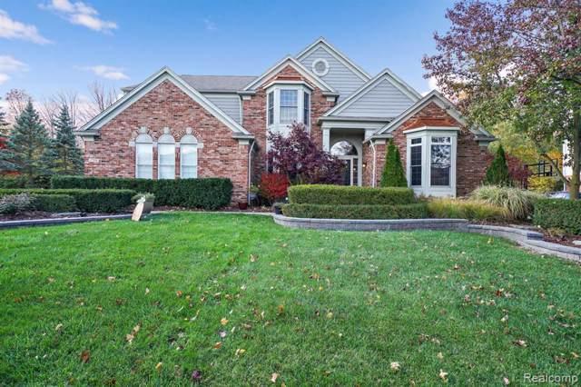 17359 Oak Hill Ct, Northville Twp, MI 48168 (#219113864) :: Duneske Real Estate Advisors