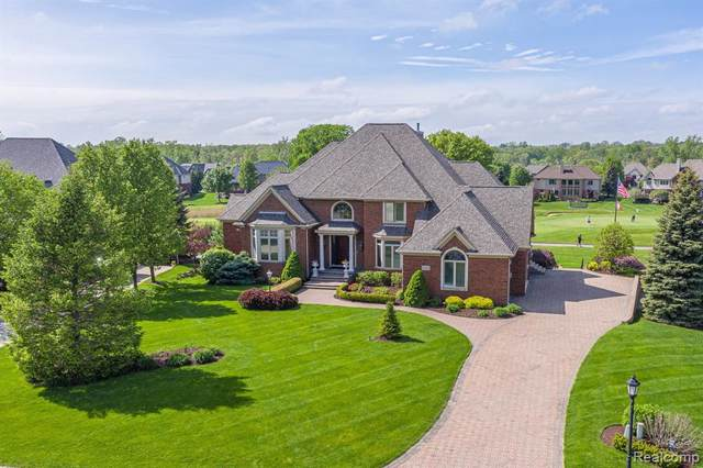 2598 Invitational Drive, Oakland Twp, MI 48363 (#219114077) :: The Buckley Jolley Real Estate Team