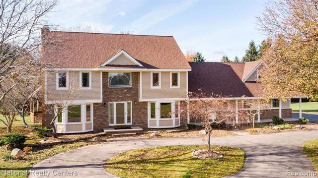 4382 Clearview Drive, Independence Twp, MI 48348 (MLS #219114078) :: The Toth Team