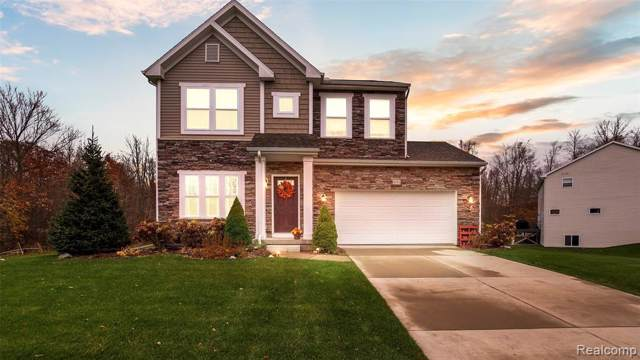 9682 Medinah Court, Brighton Twp, MI 48114 (#219114151) :: The Buckley Jolley Real Estate Team